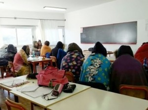 alunni-con-i-giubbotti-a-scuola