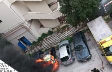 Siracusa. Auto in fiamme in un cortile, i vigili del fuoco evitano guai peggiori