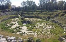 "Siracusa. Anfiteatro romano, le ironie dei turisti e l'amara realtà. Giansiracusa: ""Un porcile"""