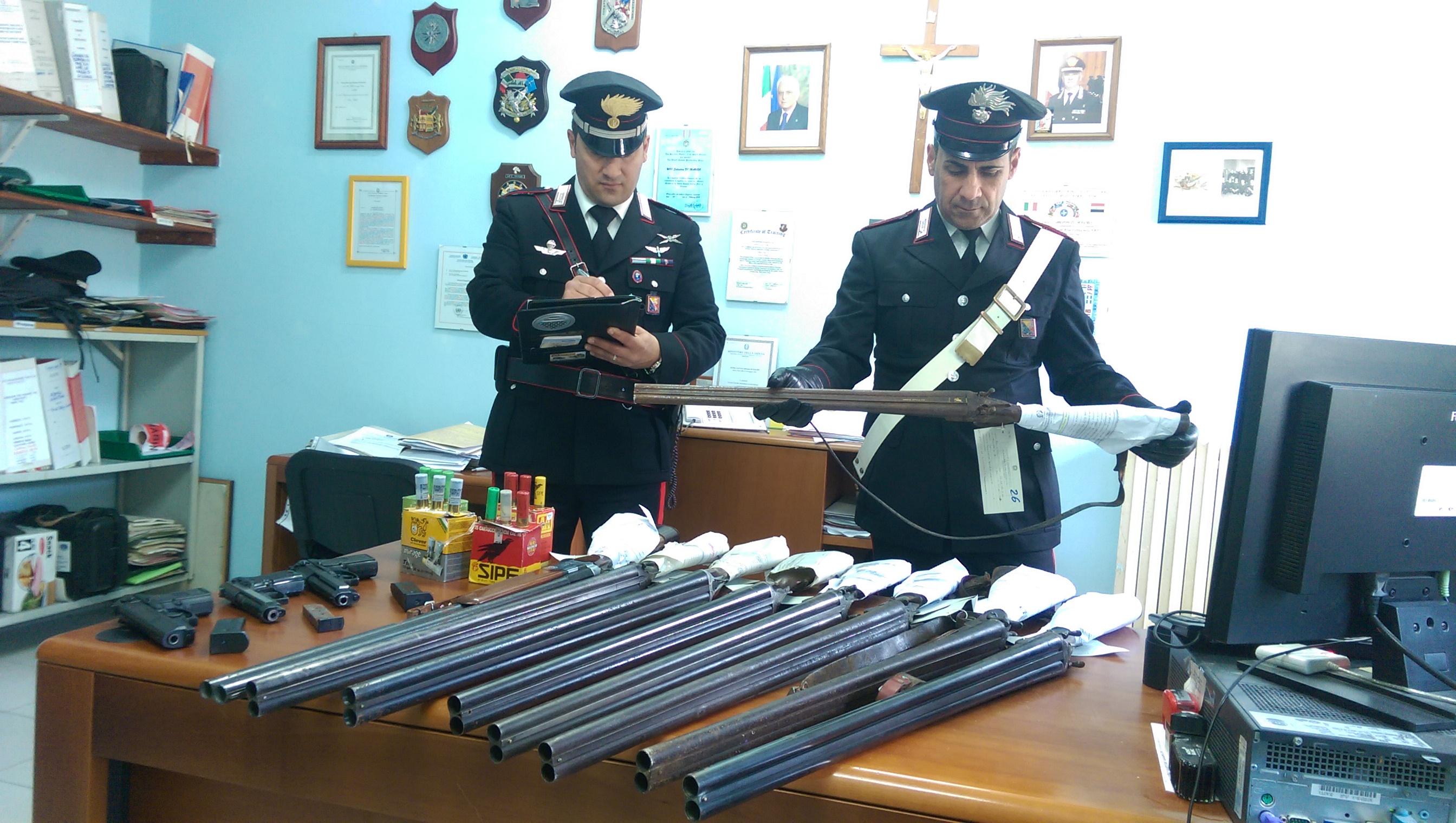 Siracusa. Armi e munizioni, in sei mesi i Carabinieri hanno sequestrato oltre 150 tra pistole e fucili
