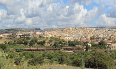 Treno del Barocco, viaggio in carrozze anni '30 da Siracusa a Modica. Torna il viaggio in Centoporte