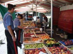 carabinieri_mercato