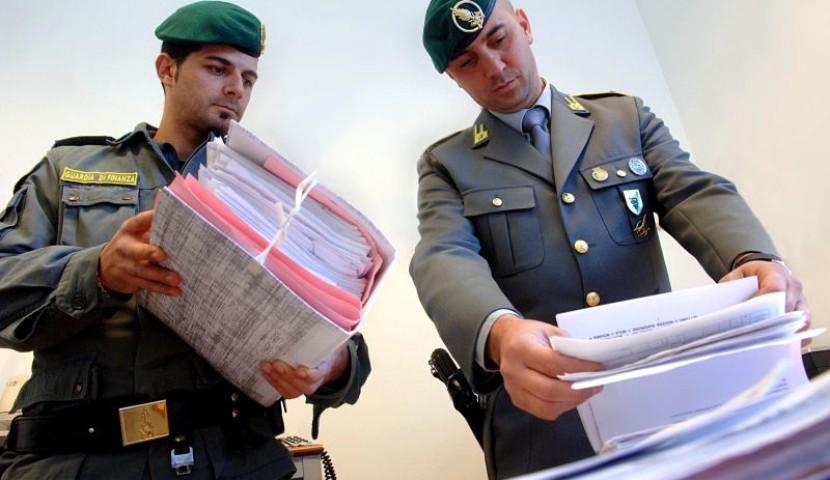 """Truffe finanziarie per 200 milioni di euro l'anno, un siracusano """"mente"""" dell'associazione: arrestato"""