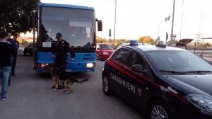 controllo carabinieri su autobus - repertorio (1)