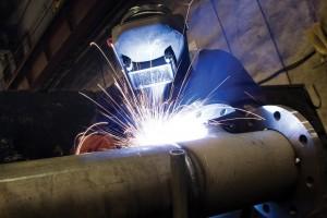 lavoro-fabbrica-saldatore